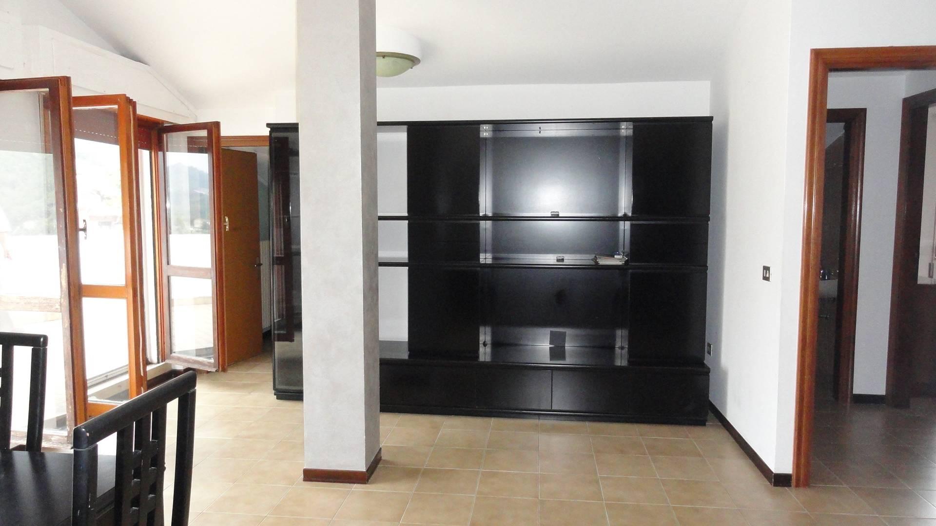 Appartamento in affitto a Teramo, 4 locali, zona Località: PianoDellaLenta, prezzo € 350 | Cambio Casa.it