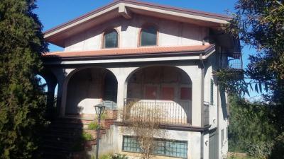 Villa in Vendita a Paternò