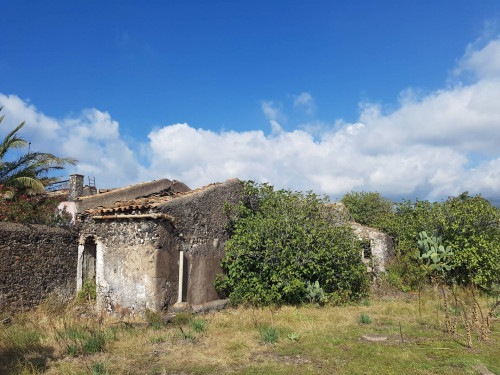 Terreno Agricolo in Vendita a Ragalna