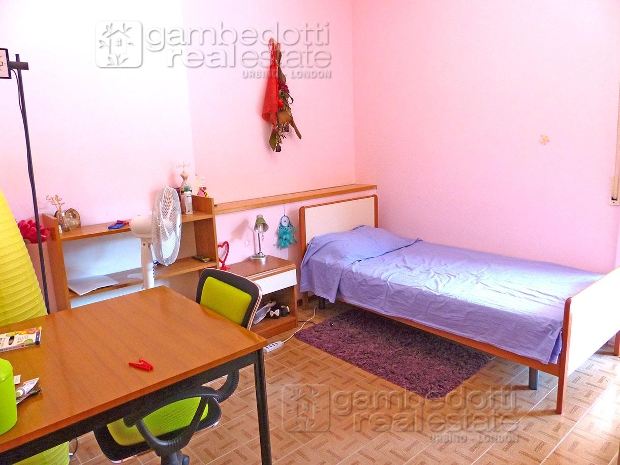 Appartamento in vendita a Urbino, 5 locali, zona Località: S.S.Annunziata, prezzo € 220.000 | PortaleAgenzieImmobiliari.it