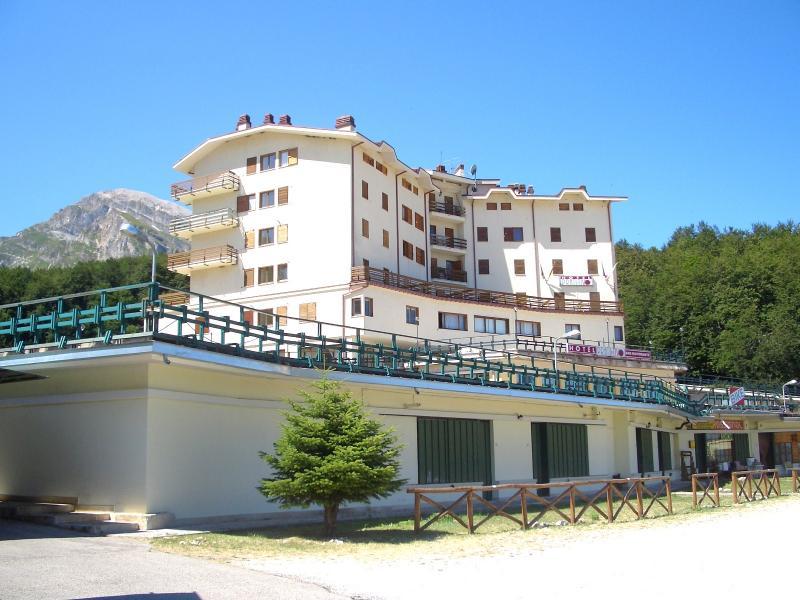 Appartamento in vendita a Pietracamela, 3 locali, zona Località: PratidiTivo, prezzo € 102.000 | CambioCasa.it