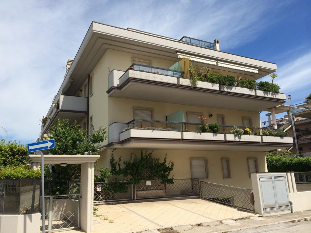 vendita appartamento san benedetto del tronto porto d'ascoli  149000 euro  3 locali  50 mq