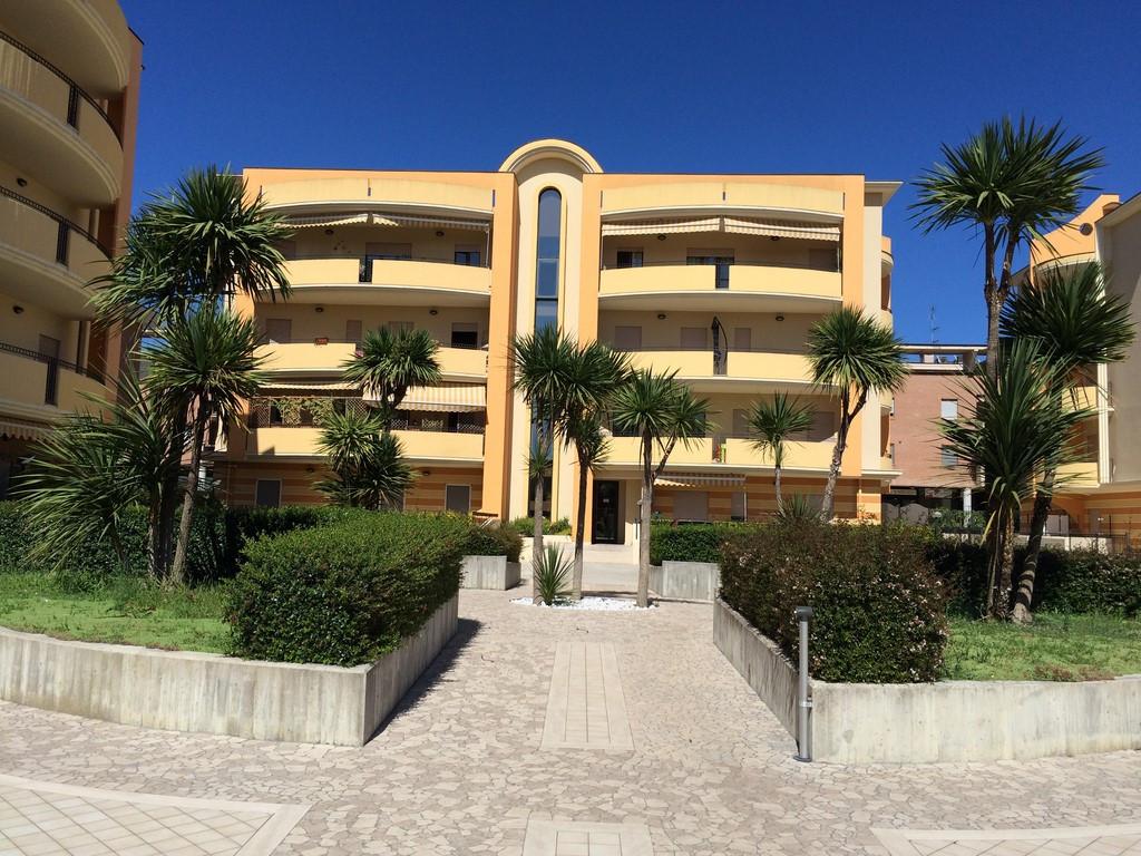 Appartamento in vendita a Monteprandone, 3 locali, zona Zona: Centobuchi, prezzo € 160.000 | CambioCasa.it