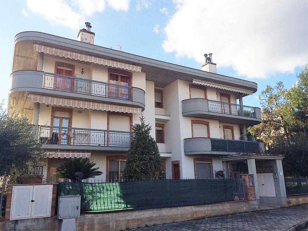 Appartamento in vendita a Monteprandone, 4 locali, zona Zona: Centobuchi, prezzo € 195.000 | CambioCasa.it