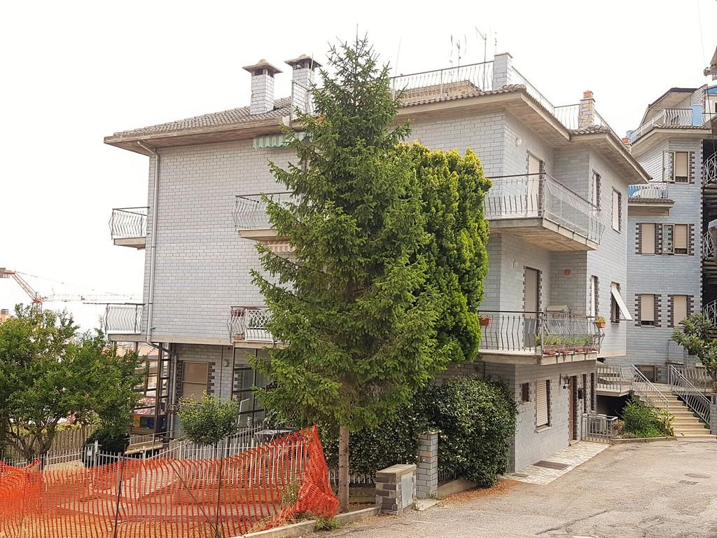 Appartamento in vendita a Acquaviva Picena, 3 locali, zona Zona: Abbadetta, prezzo € 90.000 | CambioCasa.it