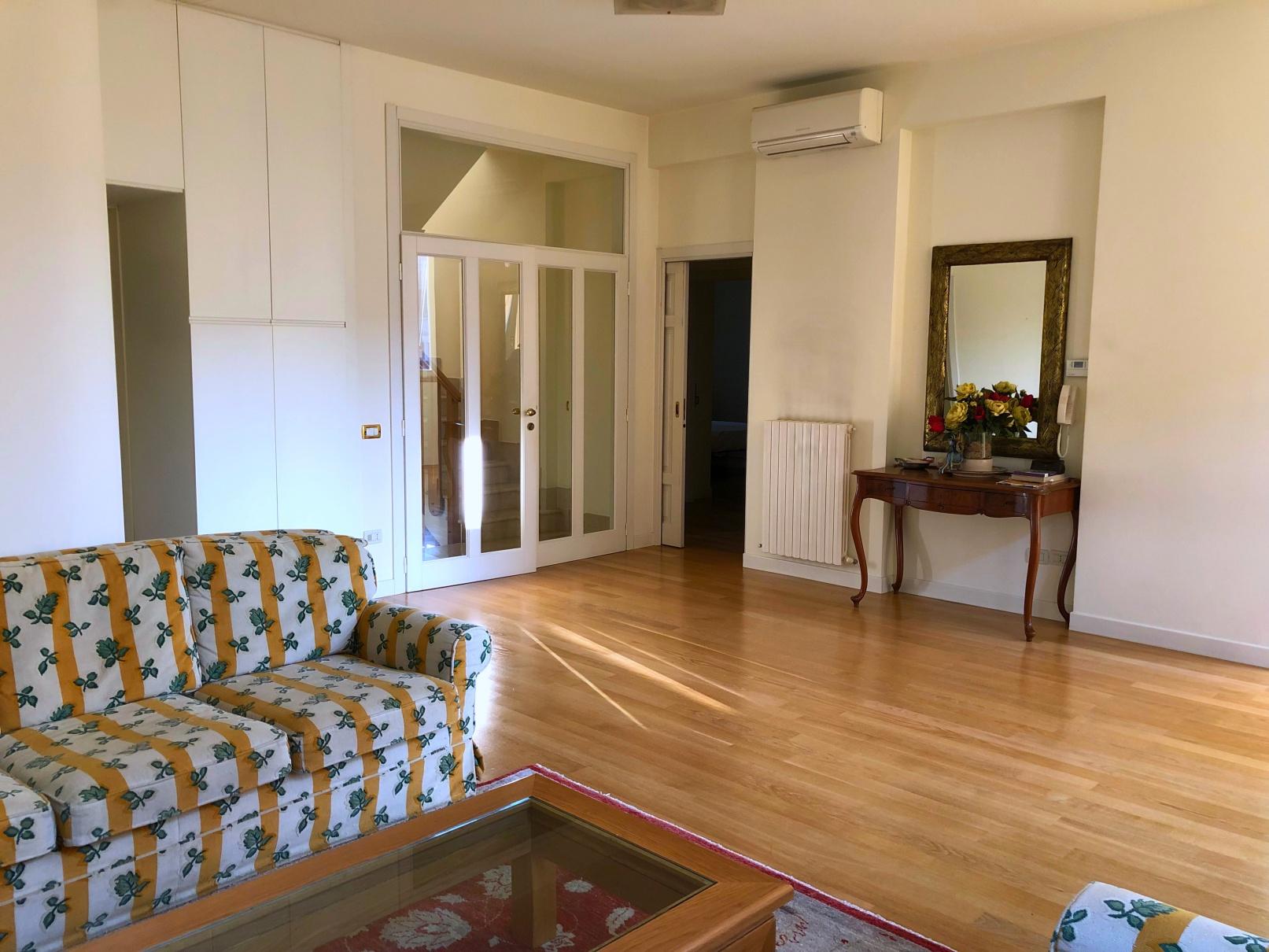 Appartamento in vendita a San Benedetto del Tronto, 6 locali, zona Località: ZonaCentrale, prezzo € 380.000   PortaleAgenzieImmobiliari.it
