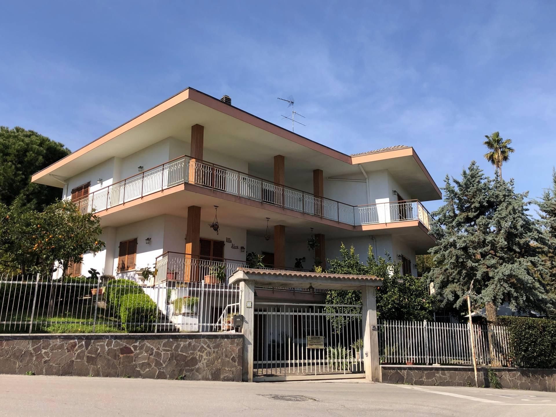 Villa in vendita a San Benedetto Del Tronto (AP)