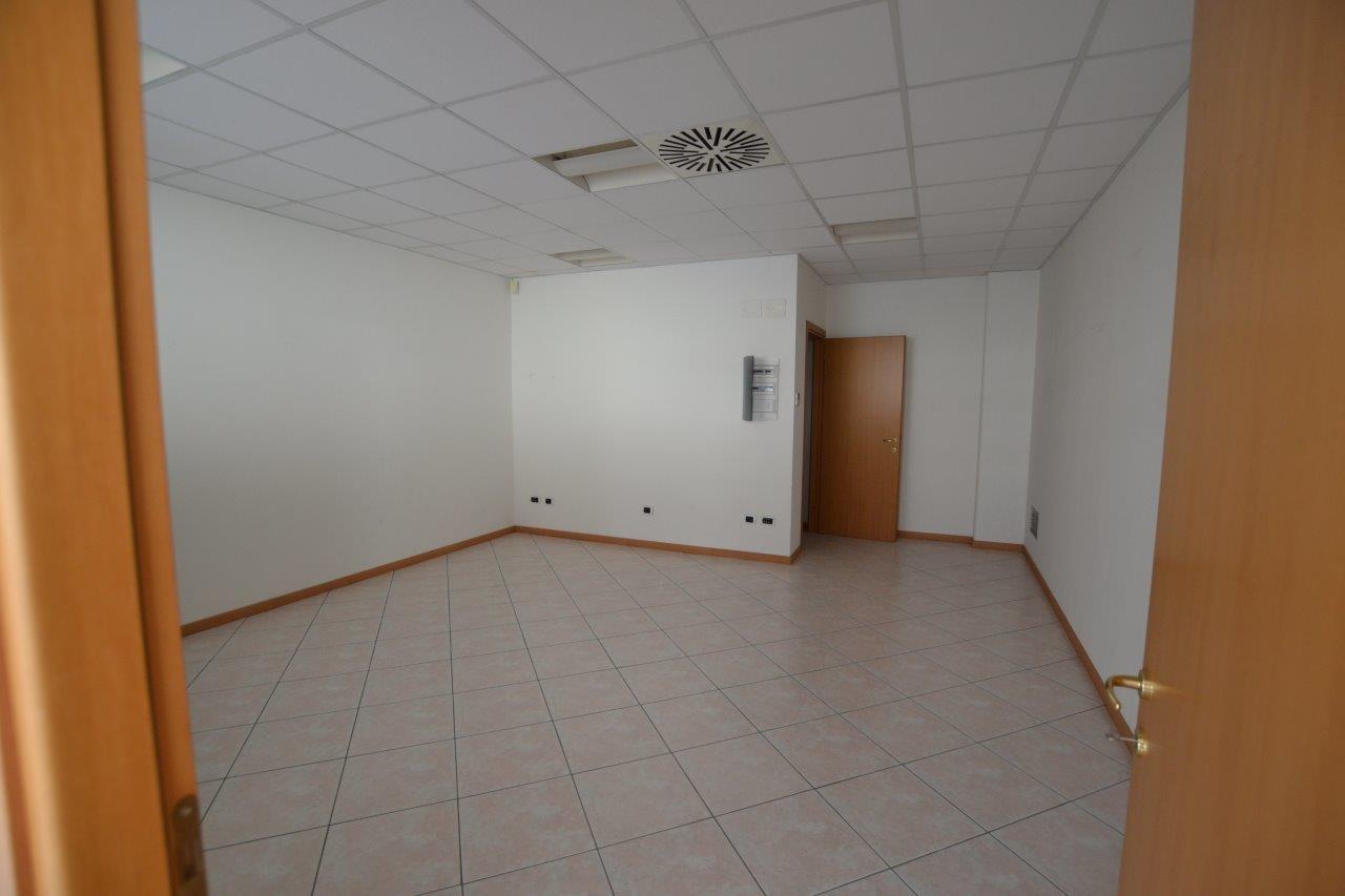 Ufficio Zona Industriale Padova : Annunci immobiliari inserzionista polis snc di padova