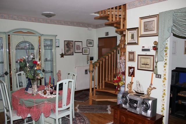 Appartamento in vendita a Folignano, 5 locali, zona Località: VillaPigna, prezzo € 135.000 | PortaleAgenzieImmobiliari.it