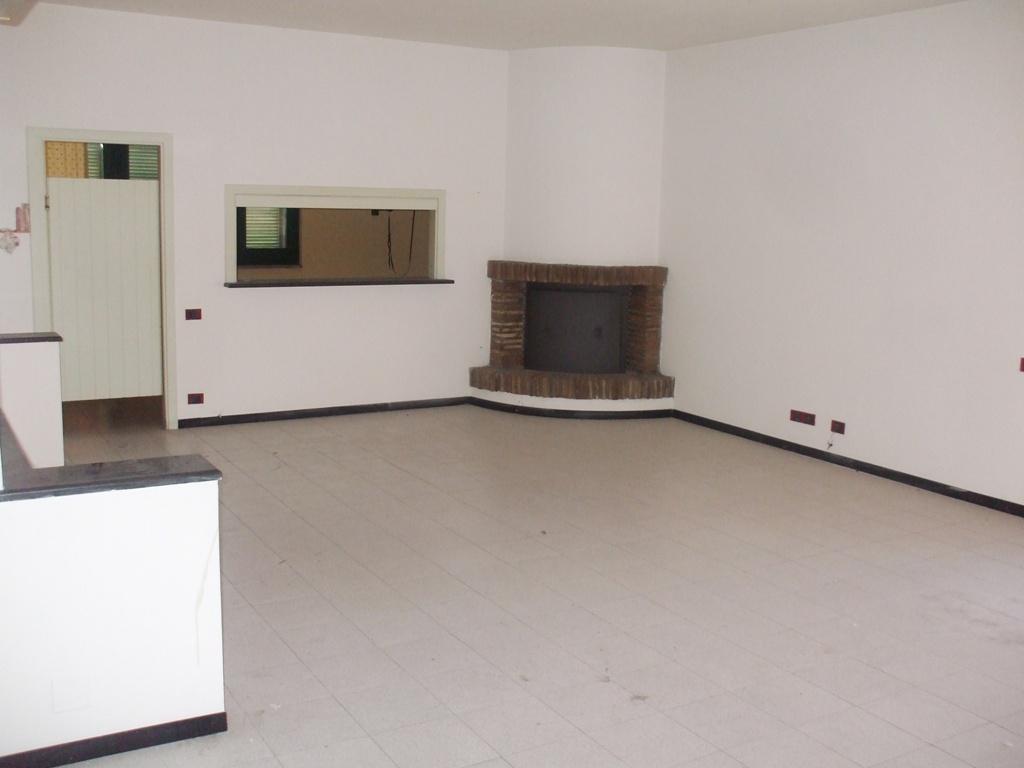 Appartamento in vendita a Sant'Egidio alla Vibrata, 6 locali, prezzo € 60.000 | PortaleAgenzieImmobiliari.it