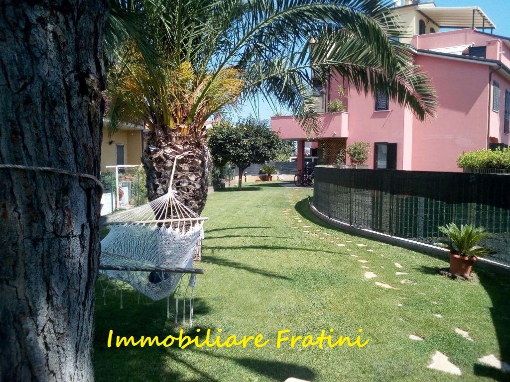 Appartamento in vendita a San Benedetto del Tronto, 4 locali, zona Località: LUNGOMARE, prezzo € 229.000 | PortaleAgenzieImmobiliari.it