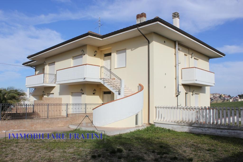 Appartamento in vendita a Ancarano, 4 locali, prezzo € 155.000 | PortaleAgenzieImmobiliari.it