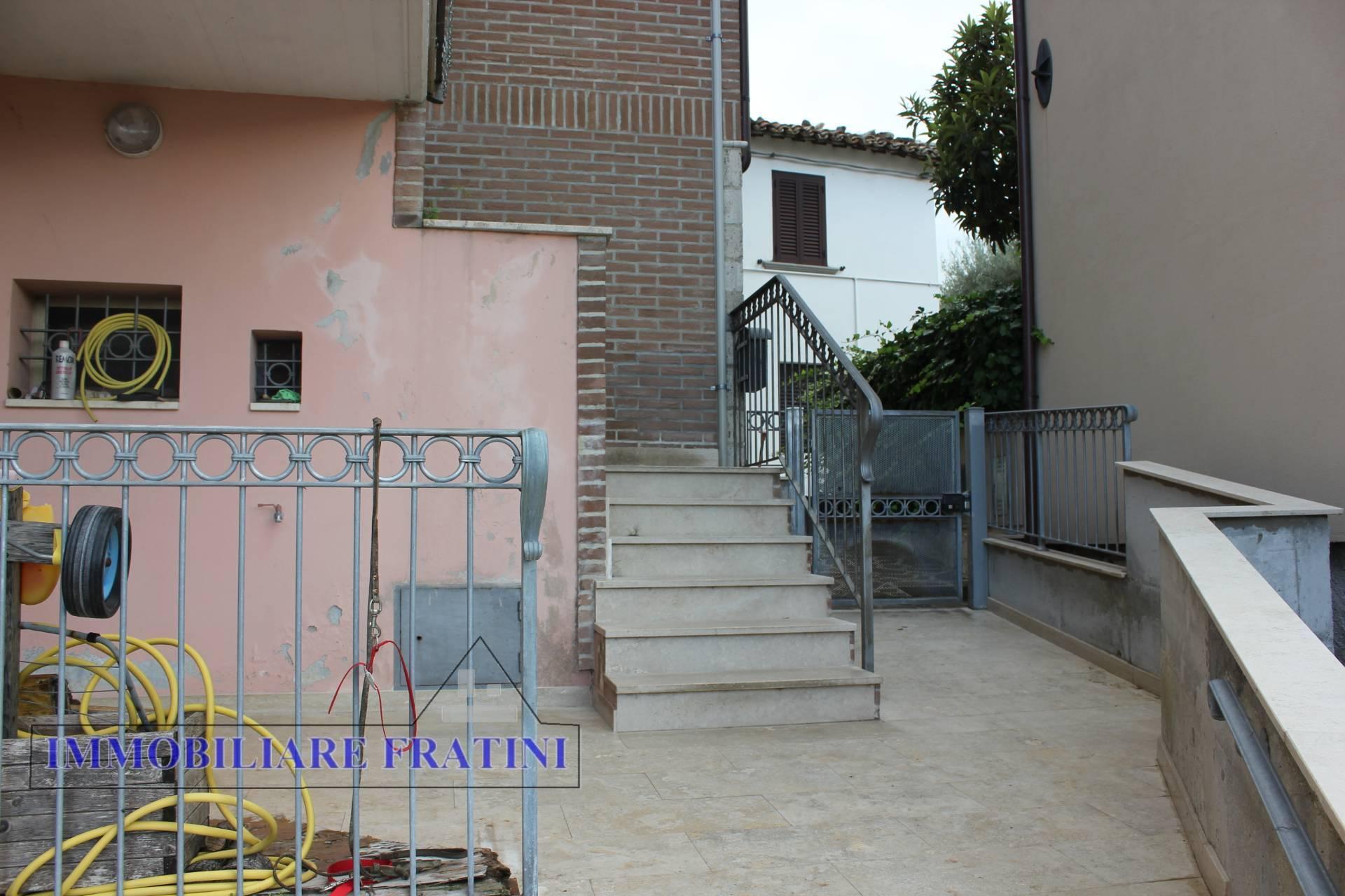 Appartamento in vendita a Folignano, 5 locali, prezzo € 89.000 | PortaleAgenzieImmobiliari.it