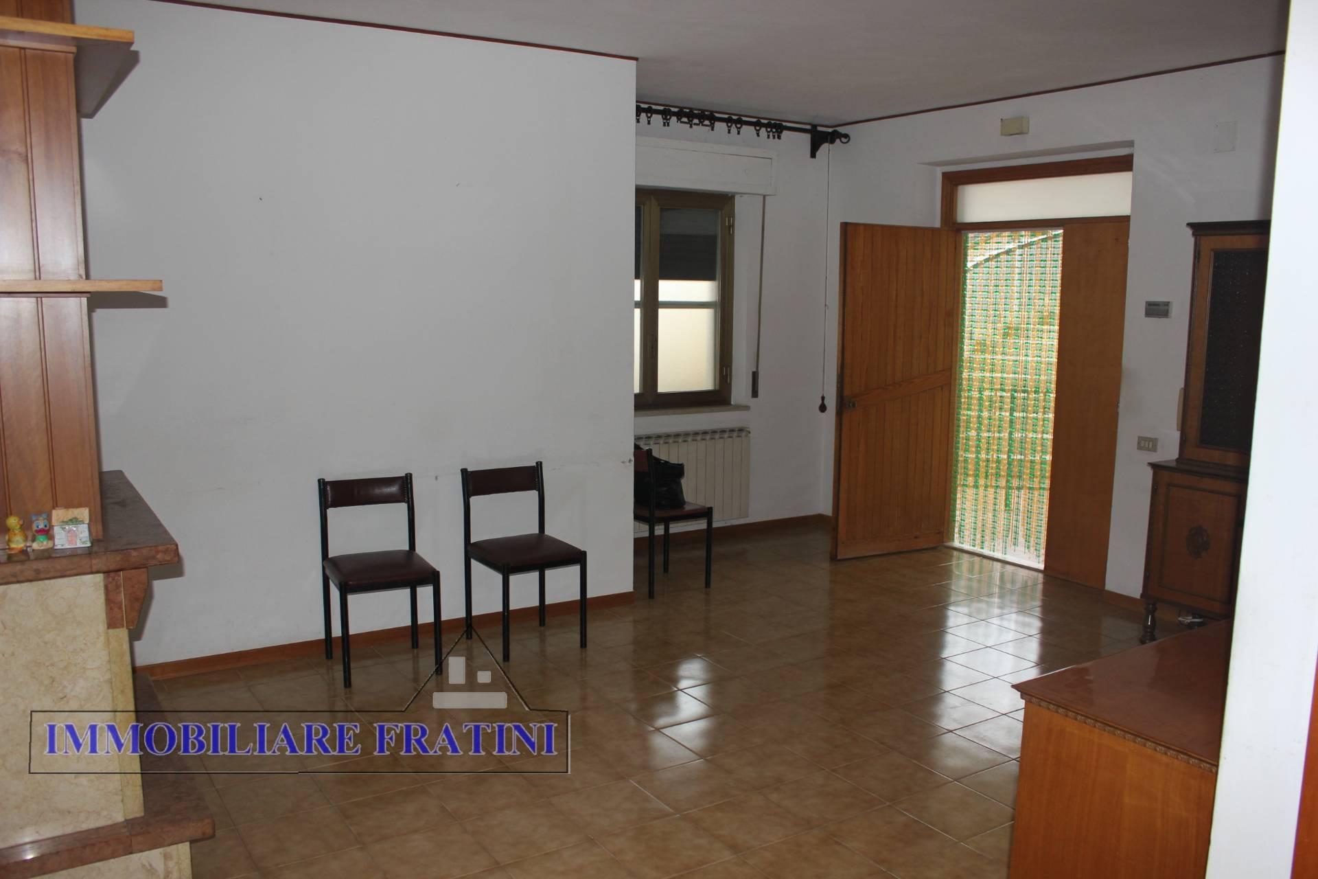 Appartamento in vendita a Sant'Omero, 4 locali, zona Località: Garrufo, prezzo € 57.000 | PortaleAgenzieImmobiliari.it