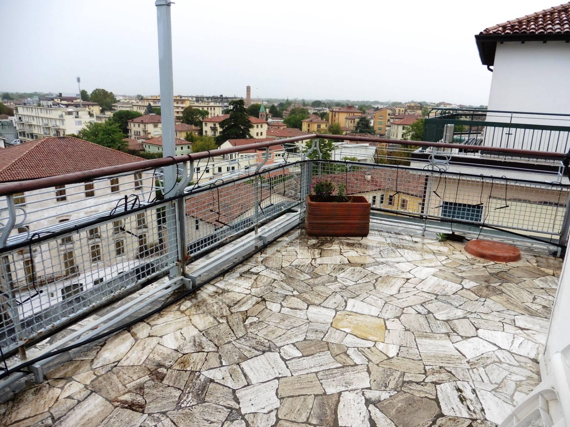vendita appartamento treviso centro storico  550000 euro  10 locali  200 mq