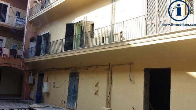 Bilocale Caserta Via Giovanbattista Vico 4