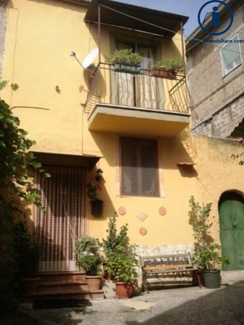 Bilocale Castel Morrone Via San Vincenzo 2