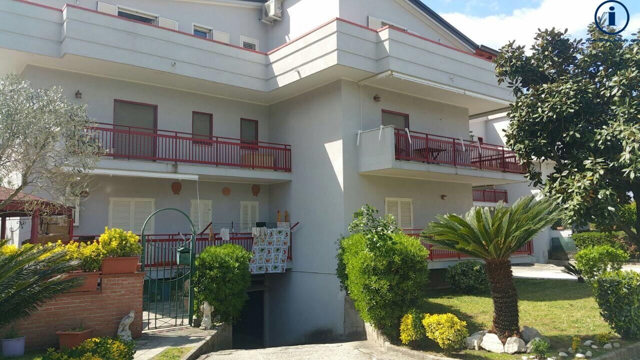 Attico / Mansarda in vendita a Caserta, 3 locali, zona Località: SanClemente, prezzo € 95.000 | Cambio Casa.it