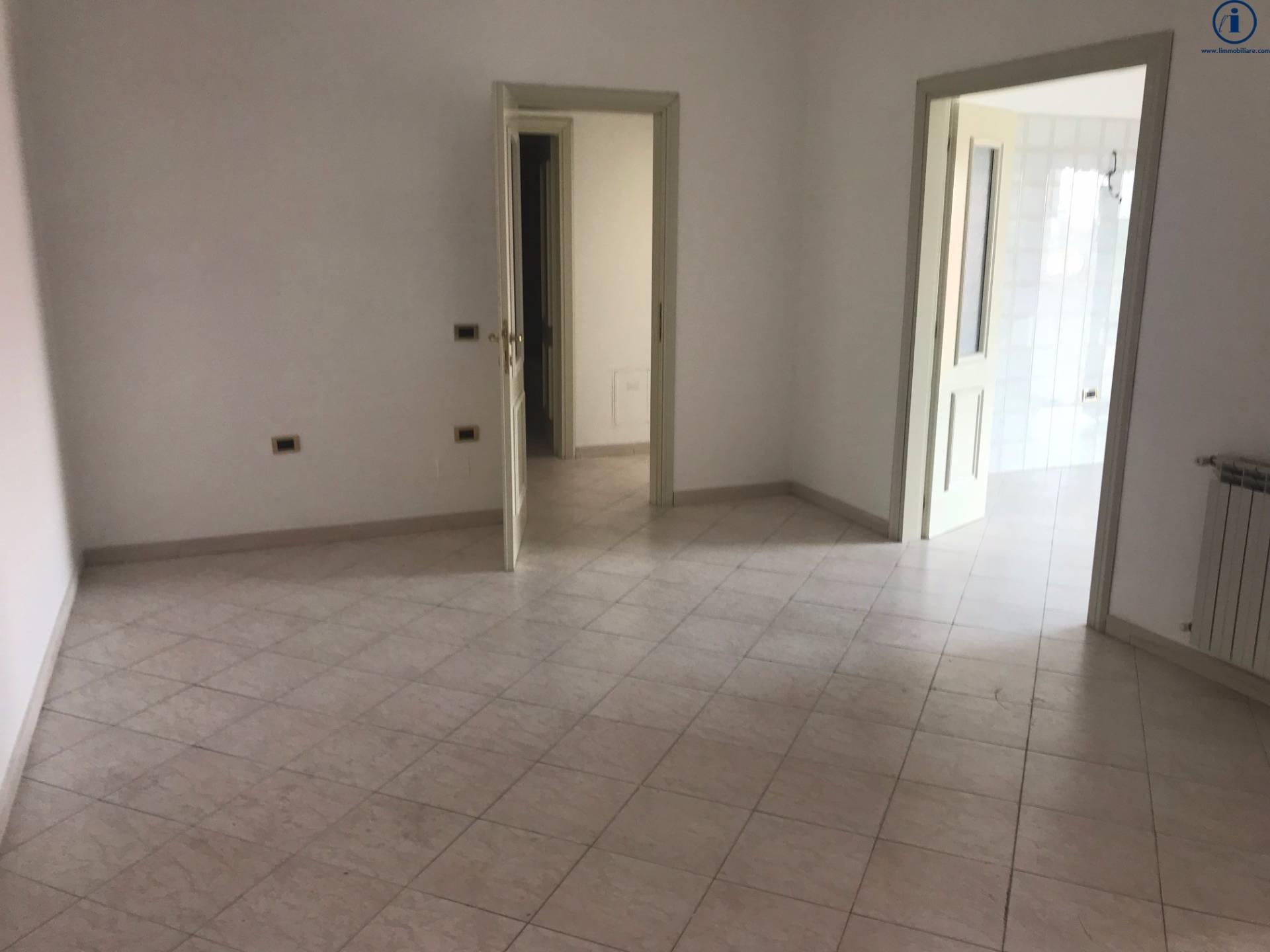 Appartamento, 100 Mq, Vendita - Caserta (Caserta)