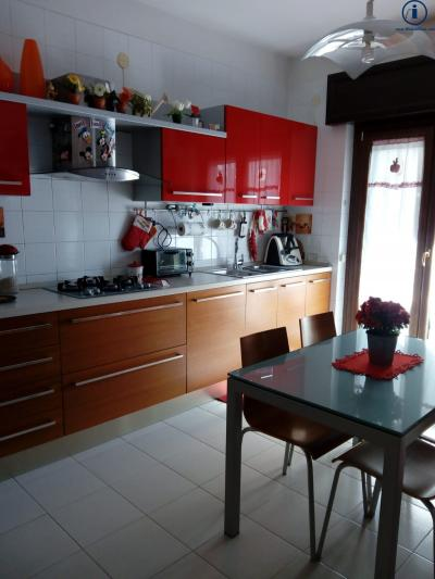 Vai alla scheda: Appartamento Vendita - San Nicola la Strada (CE) - Codice -4V54