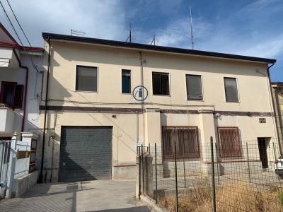Vai alla scheda: Stabile / Palazzo Vendita - Caserta (CE) | Sala - Codice -36-SIV10