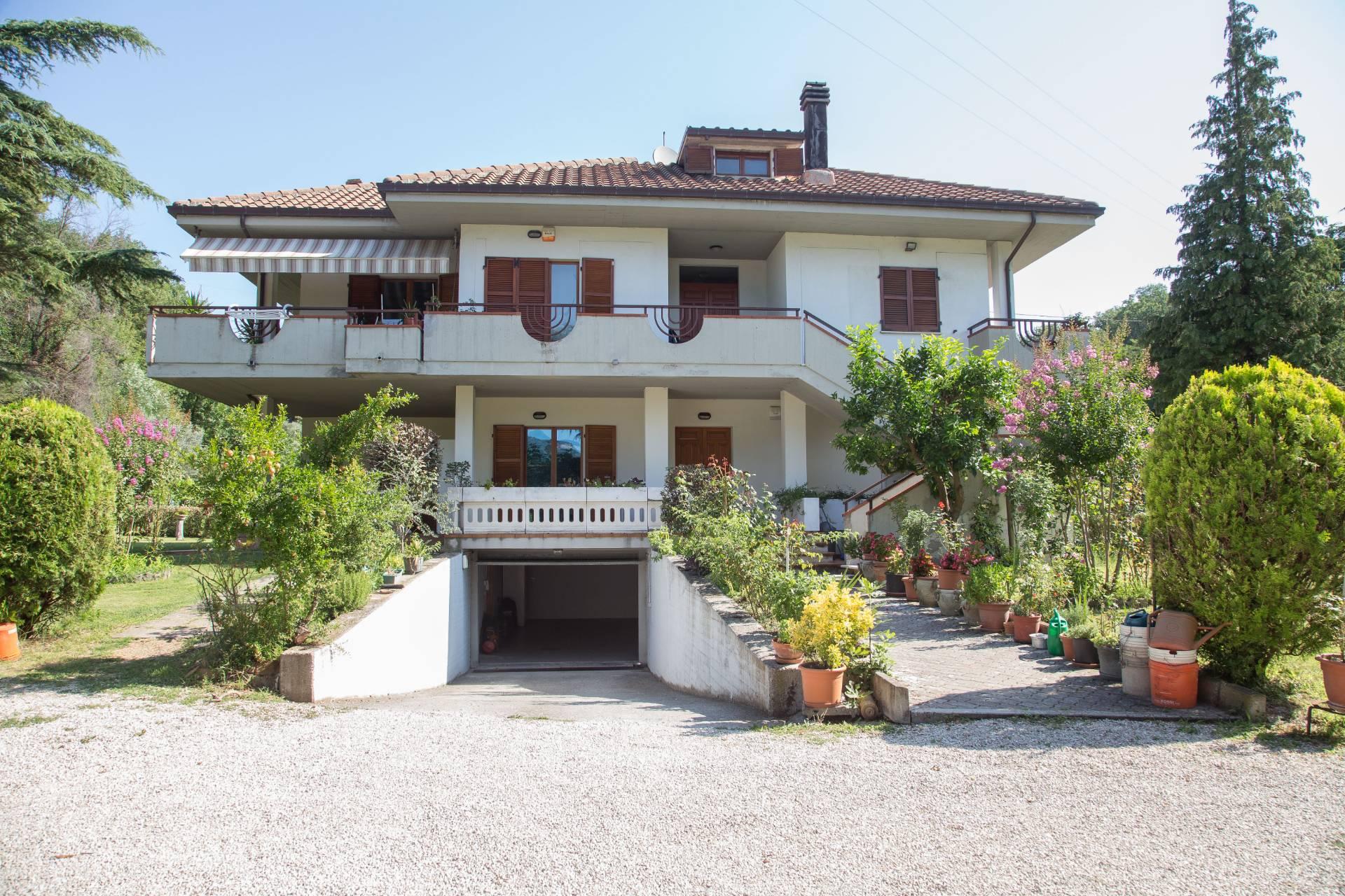 VILLA in Vendita a Ascoli Piceno (ASCOLI PICENO)