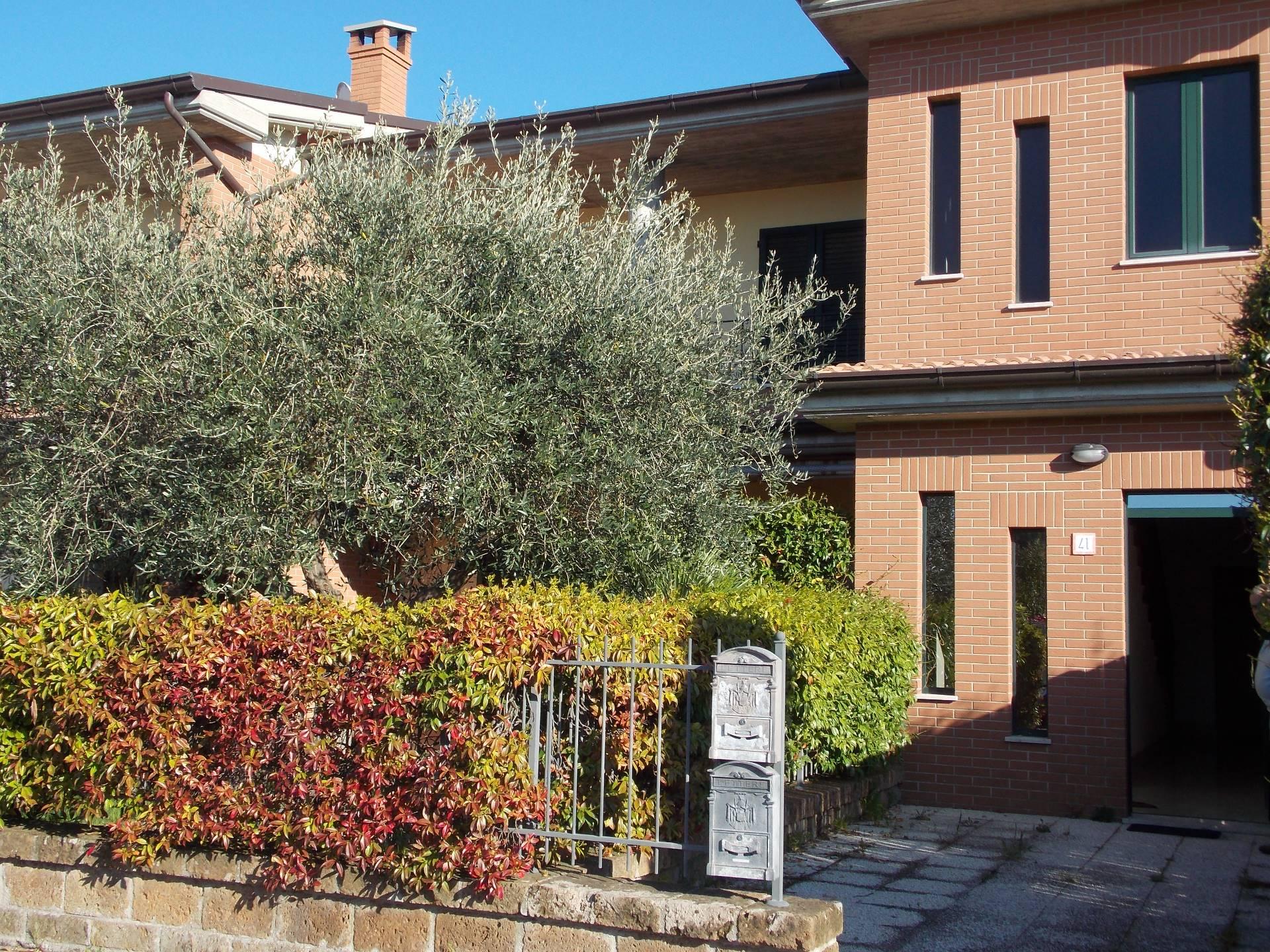 Appartamento in vendita a Cupra Marittima, 4 locali, zona Località: Collinare, prezzo € 190.000 | Cambio Casa.it