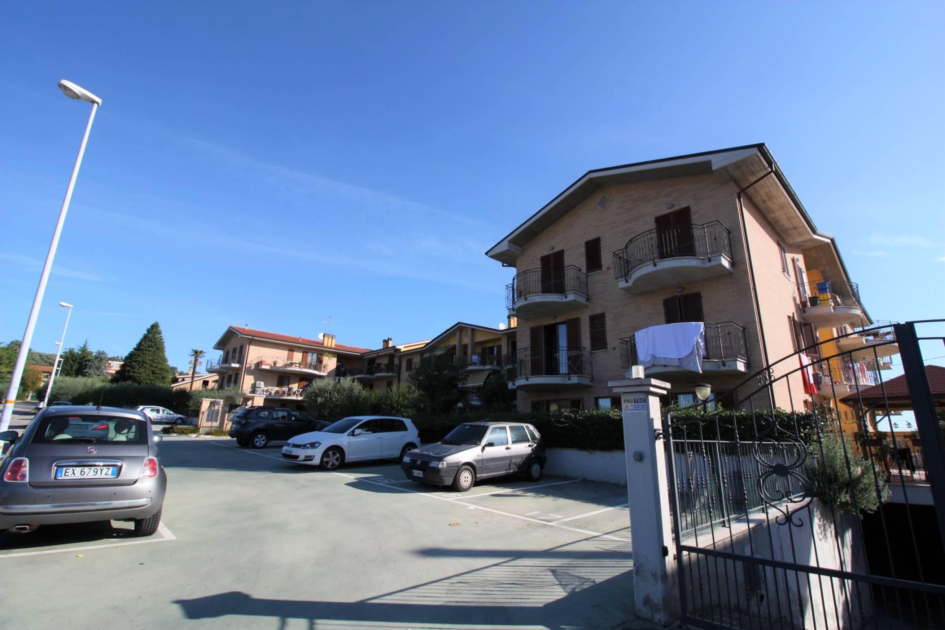Appartamento in vendita a Spinetoli, 4 locali, prezzo € 160.000   CambioCasa.it