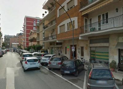 Locale commerciale in Affitto/Vendita<br>a San Benedetto del Tronto
