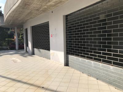 Locale commerciale in Affitto a Alba Adriatica