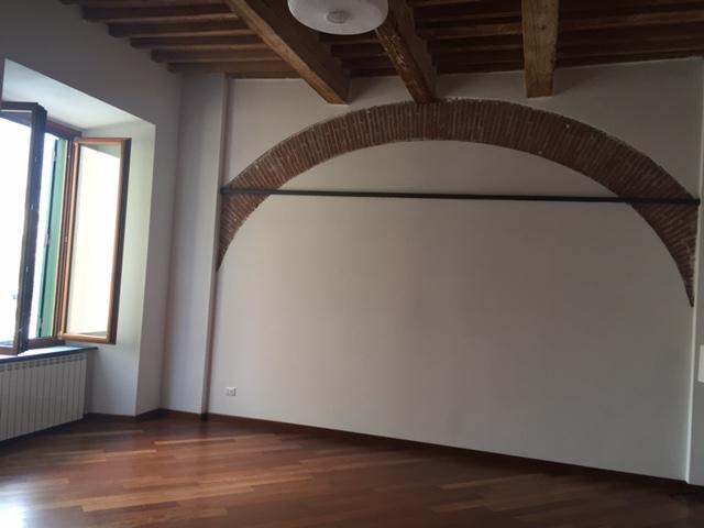 livorno affitto quart: centro storico royal-immobiliare-professional-snc