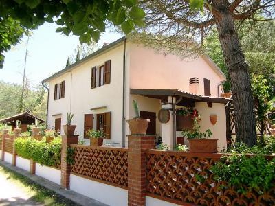 Villa in Vendita a Crespina e Lorenzana