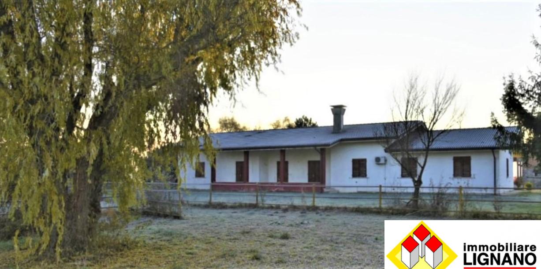 Foto - Villa In Vendita Ronchis (ud)