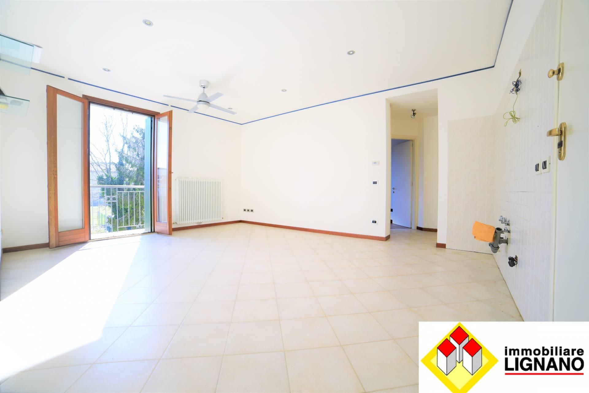 Appartamento in vendita a Latisana, 3 locali, zona Località: Centro, prezzo € 100.000 | PortaleAgenzieImmobiliari.it