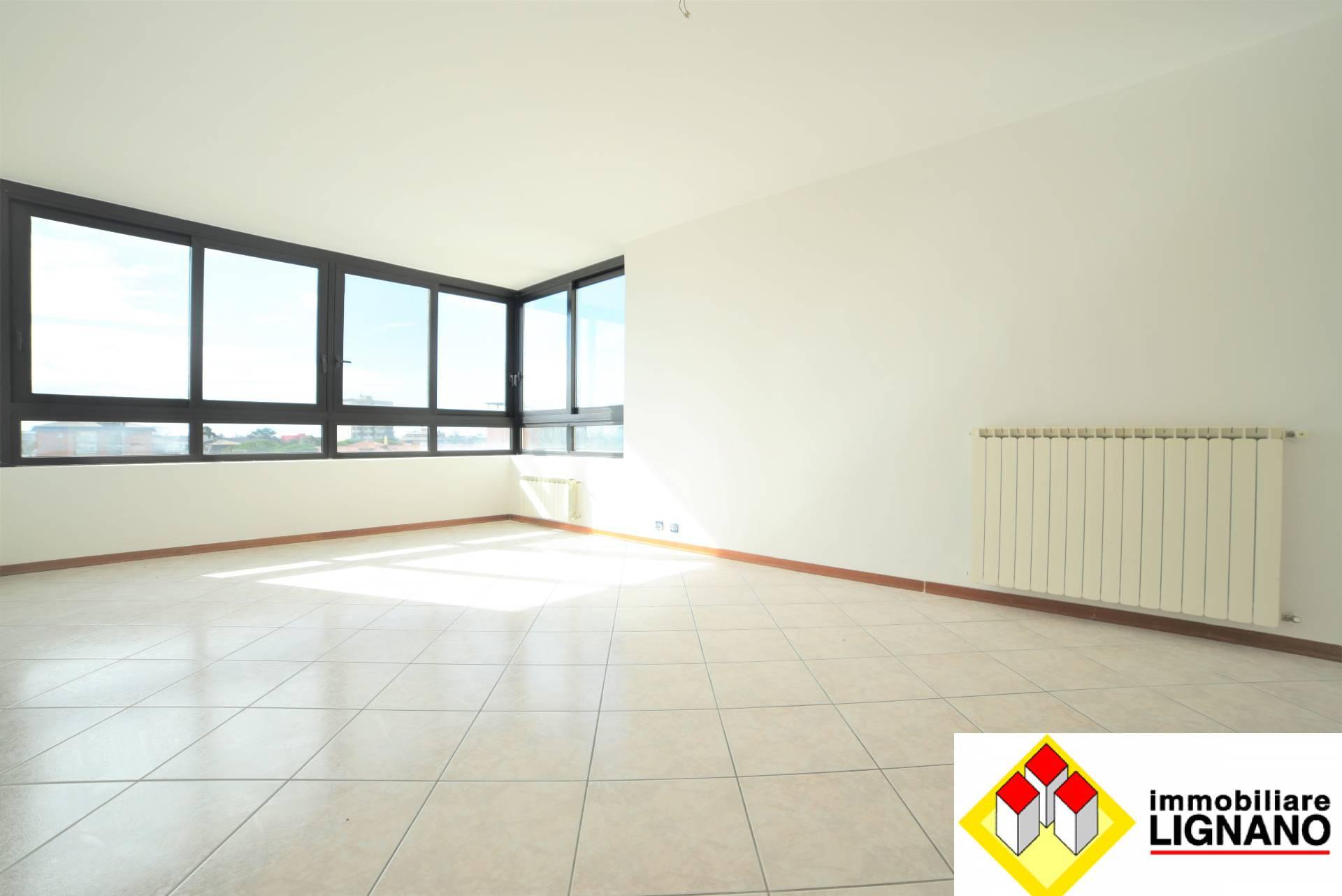 Appartamento in vendita a Latisana, 7 locali, zona Località: Centro, prezzo € 97.000 | PortaleAgenzieImmobiliari.it