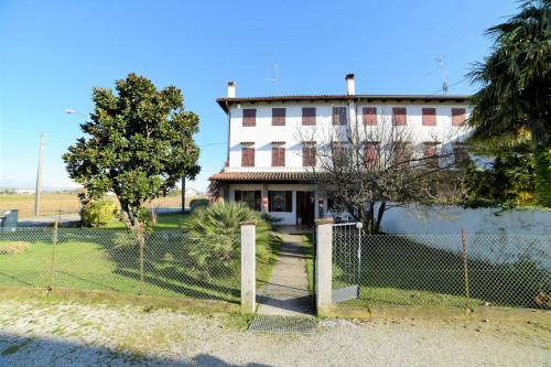 Casa accostata in Vendita a Ronchis
