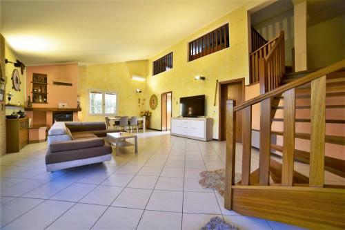 Villa in Vendita a Palazzolo dello Stella