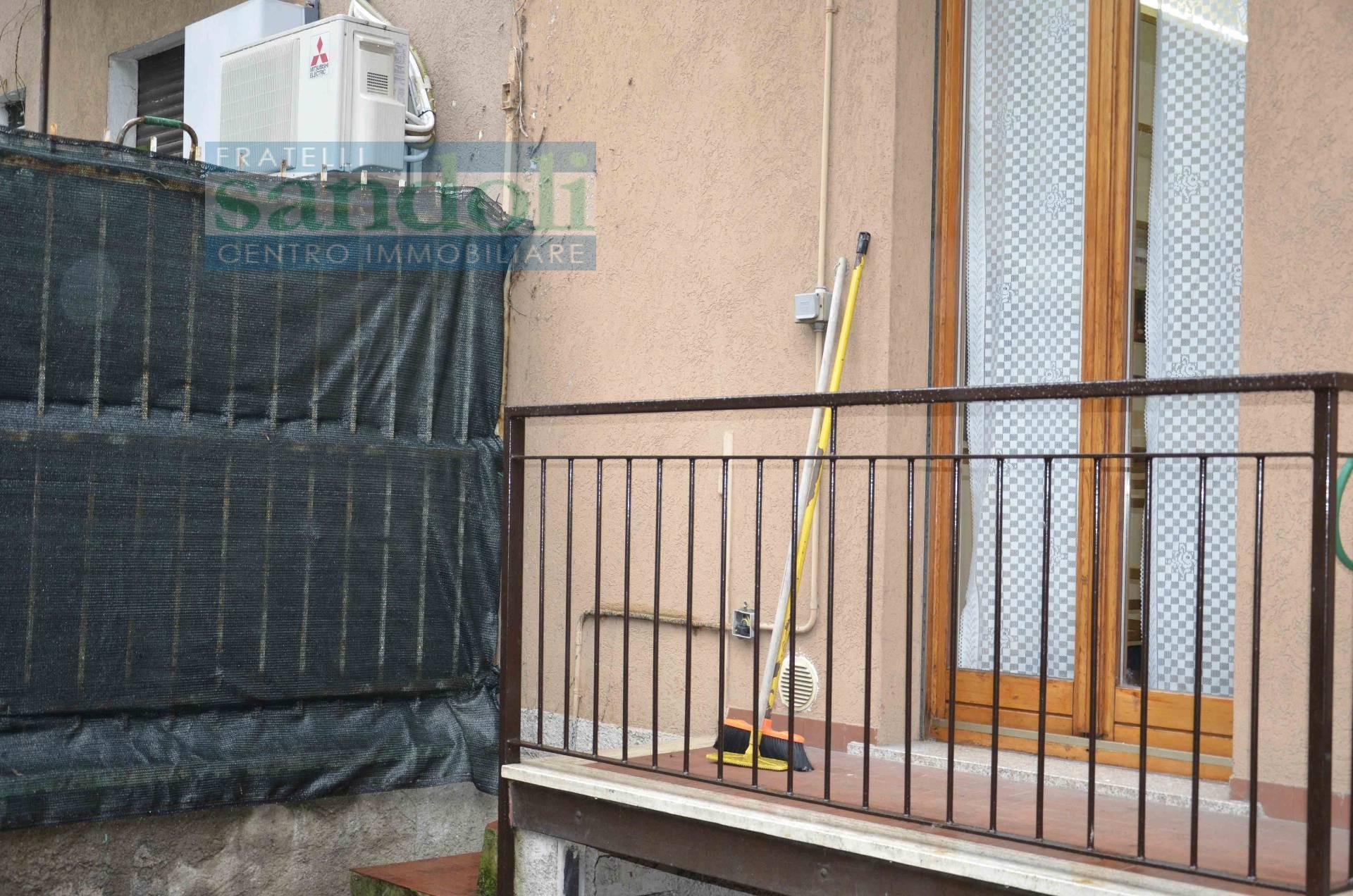 Bilocale Milano Via Cormons 10