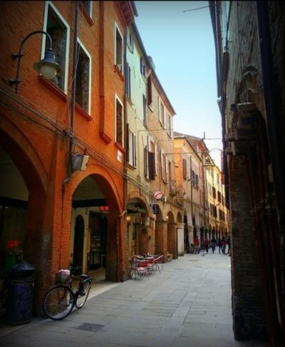 Posto auto scoperto in Vendita a Ferrara