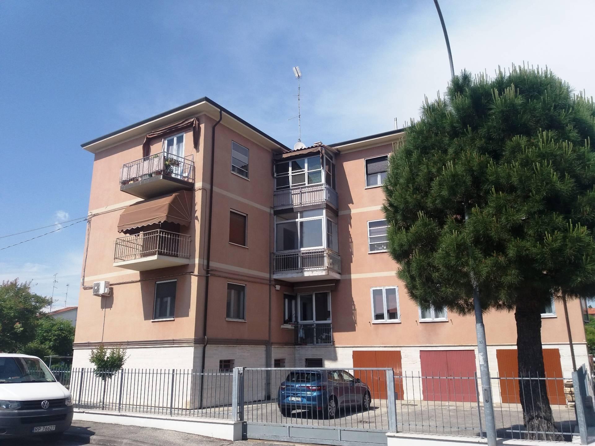 vendita appartamento ferrara via bologna  78000 euro  5 locali  90 mq