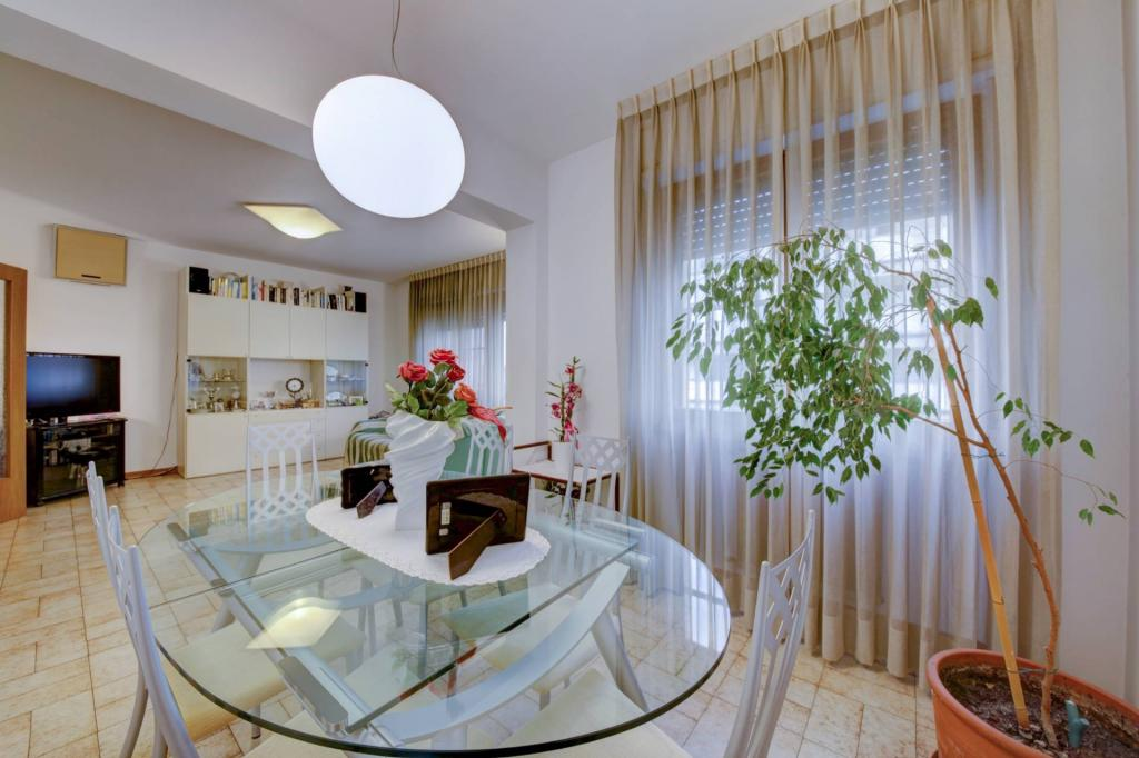 Appartamento in vendita, rif. v2377