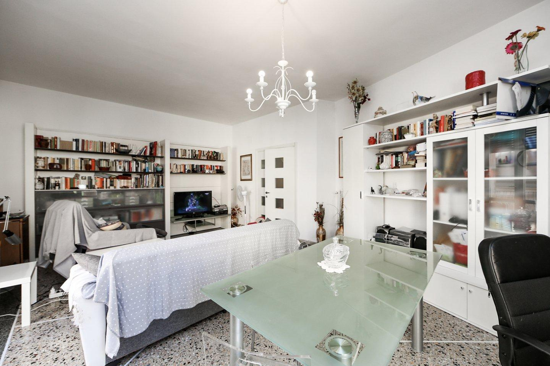 Appartamento in vendita, rif. V2440