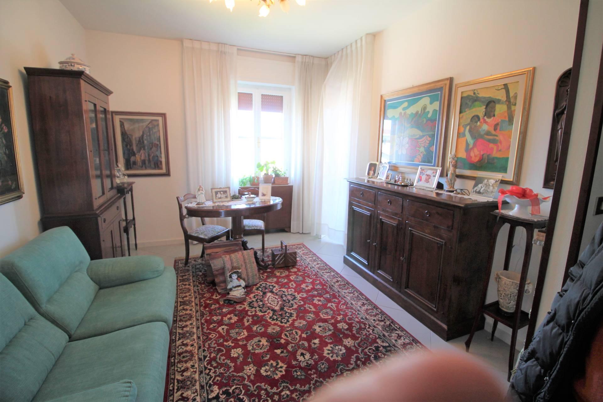 Appartamento in vendita, rif. V2595B