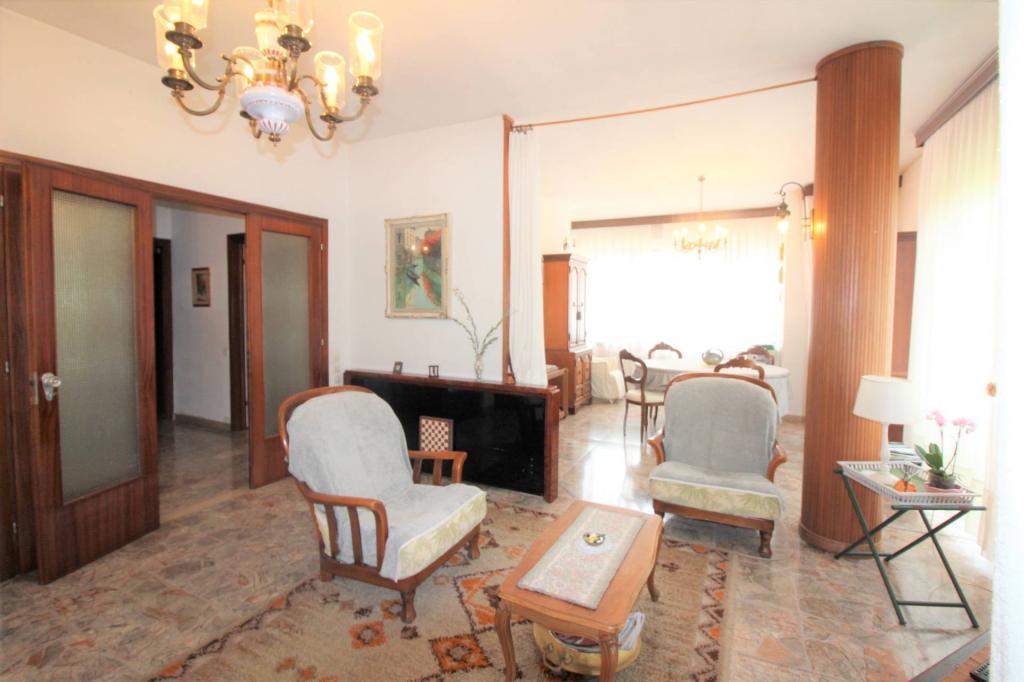 Appartamento in vendita, rif. V2621