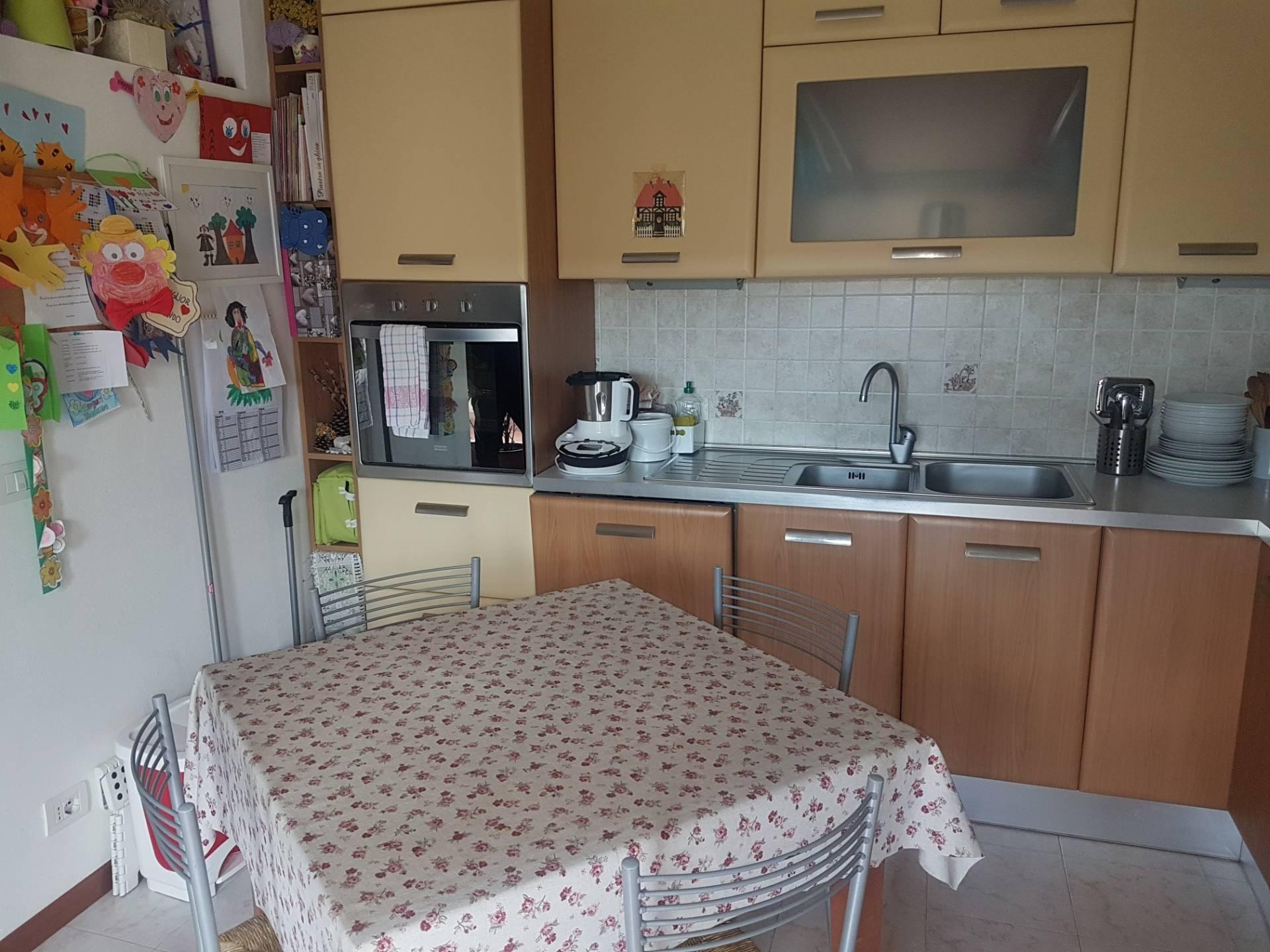 Appartamento in vendita, rif. V2632b