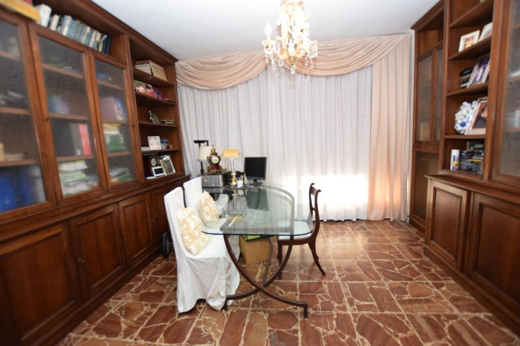 Appartamento in vendita, rif. V2643