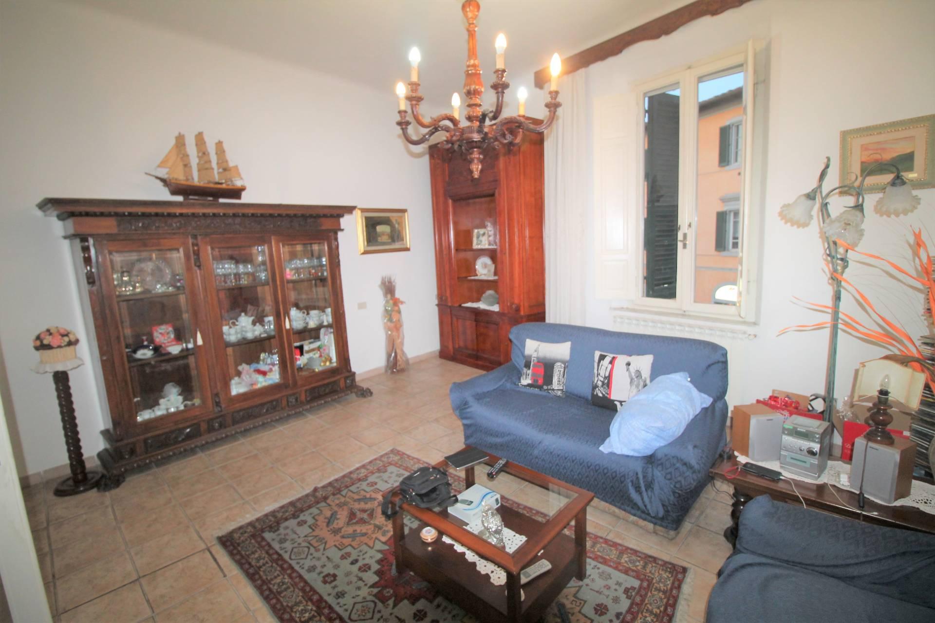 Appartamento in vendita, rif. V2677B