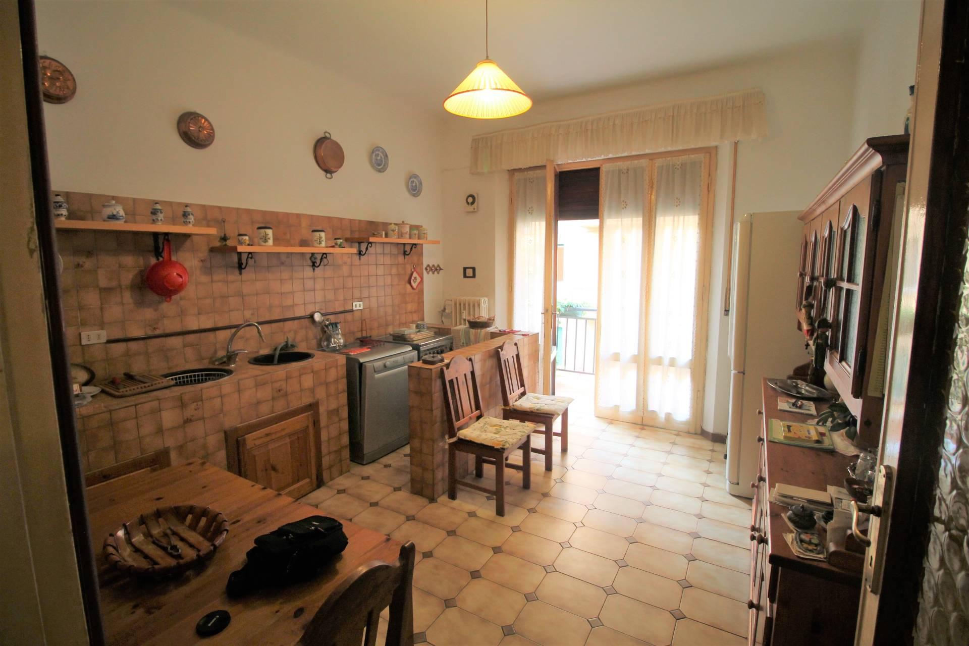 Appartamento in vendita, rif. V2714B