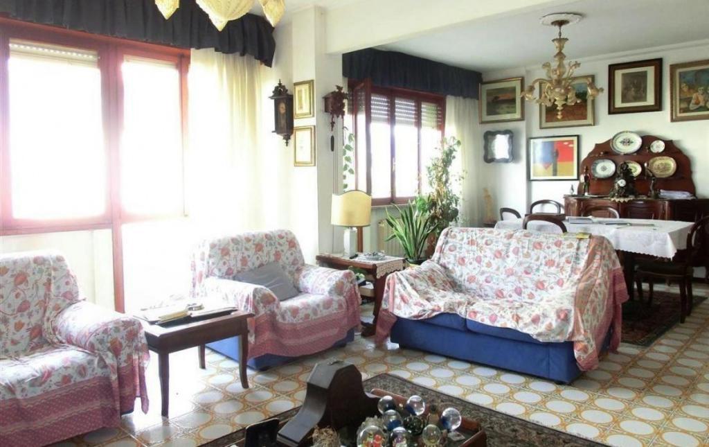 Appartamento in vendita, rif. v2751