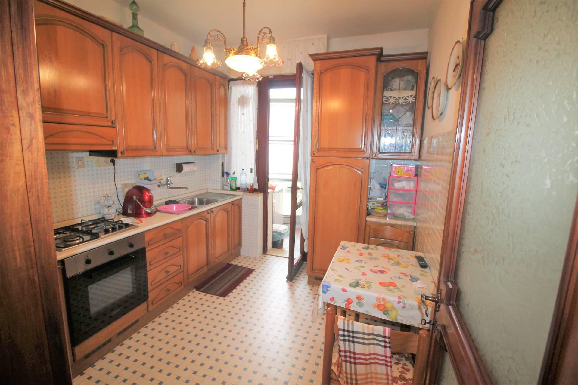 Appartamento in vendita, rif. V2776B